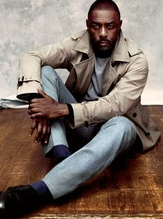 Maxim magazine goes luxe for its September 2015 cover photo shoot. The first male to grace the cover of Maxim, British actor Idris Elba is front and center in a… Idris Elba, Actor Idris, Maxim Cover, Photography Poses For Men, Portrait Photography, Best Portraits, Man Up, Raining Men, Classic Man