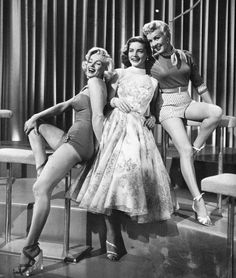 (via Marilyn Monroe, Lauren Bacall and Betty Grable | photo page - everystockphoto)