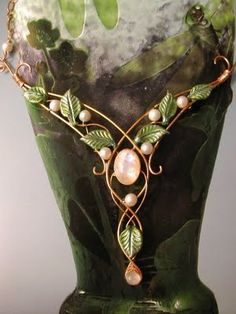 A gorgeous moonstone and gilded wire necklace by Ali di Libellula