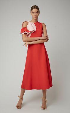 Get inspired and discover Delpozo trunkshow! Shop the latest Delpozo collection at Moda Operandi. Red Fashion, Fashion 2020, Modest Fashion, Skirt Fashion, Boho Fashion, Fashion Dresses, Fashion Design, Winter Fashion, Fashion Quiz