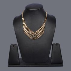Featuring this Gold Metallic Box Chain Necklace in our wide range of Necklines . Grab yourself one. Now!