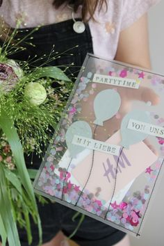 DIY // A shake card with vouchers # voucher crafts DIY // A shake . - DIY // A shake card with vouchers DIY // A shake card with vouchers - Diy Birthday, Birthday Presents, Birthday Cards, Birthday Present Diy, Diy Presents, Diy Gifts, Cadeau Baby Shower, Fathers Day Cards, Shaker Cards