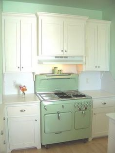 Stop...have a chat: The 1950s kitchen
