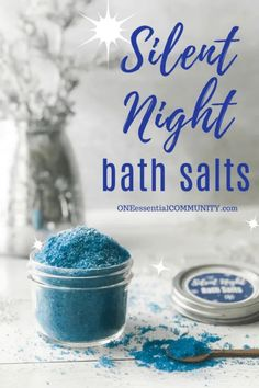 Silent Night Bath Salts {for a great night's sleep} <br> Silent Night Bath Salts with gold (orange), frankincense, and myrrh essential oils help you relax and sleep well. Diy Craft Projects, Kids Crafts, Sewing Projects, Easy Homemade Christmas Gifts, Bath Salts Recipe, Homemade Bath Salts, Dyi Bath Salts, Myrrh Essential Oil, Diy Bath Salts With Essential Oils