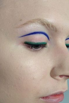 Deconstructed dual color two eyeliner colors