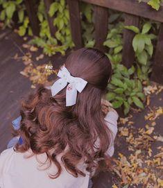 Thương suri Work Hairstyles, Scarf Hairstyles, Pretty Hairstyles, Lovely Girl Image, Hair Locks, Zooey Deschanel, Ribbon Hair, Dream Hair, Her Hair
