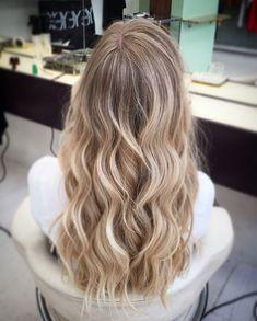 Blonde Hair Looks, Brown Blonde Hair, Platinum Blonde Hair, Balayage Hair, Ombre Hair, Tips For Thick Hair, Color Ceniza, Blonde Weave, Caramel Hair