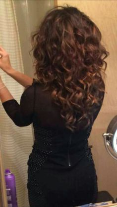 35 Long Layered Curly Hair hair color is on point Curly Hair Styles, Haircuts For Curly Hair, Curly Hair Cuts, Hairstyles Haircuts, Medium Hair Styles, Long Haircuts, Frizzy Hair, Medium Length Curly Hairstyles, Hair Medium