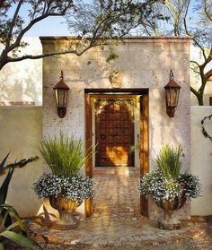 Nice 20+ Amazing Modern Adobe House Exterior Design Ideas https://homegardenmagz.com/amazing-modern-adobe-house-exterior-design-ideas/ Smart Home Design, Front Entry, Front Porch, Front Doors, Entry Stairs, Hacienda Style, Spanish Style, Landscape Lighting, House Colors