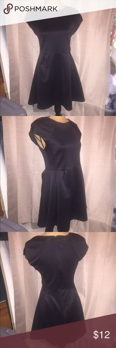 Romeo &a Juliet Couture Skater dress Romeo and Juliet Couture black skater dress in good used condition. Romeo & Juliet Couture Dresses