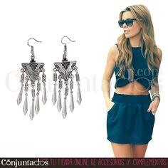Los #pendientes Guadalupe son un #complemento #boho-chic indispensable. Porque se lleva y también porque significa comodidad y libertad ¡adoramos el #estilo #étnico! ★ 9,95 € en https://www.conjuntados.com/es/pendientes-plateados-de-estilo-etnico-guadalupe.html ★ #novedades #earrings #conjuntados #conjuntada #joyitas #lowcost #jewelry #bisutería #bijoux #accesorios #moda #fashion #fashionadicct #picoftheday #outfit #style #GustosParaTodas #ParaTodosLosGustos