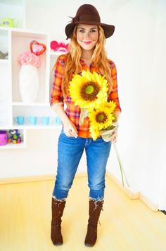 Best DIY Halloween Costume Ideas - easy-scarecrow-costume - Do It Yourself Costumes for Women, Men, Teens, Adults and Couples. Fun, Easy, Clever, Cheap and Creative Costumes That Will Win The Contest http://diyjoy.com/best-diy-halloween-costumes
