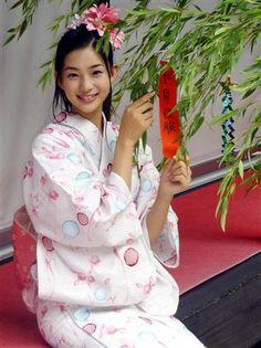 .Japanese girl in yukata.