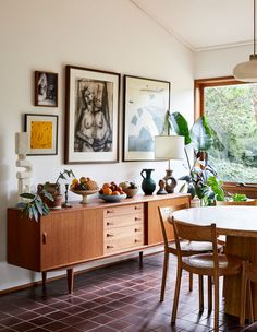 Inside the architect-designed home of Jessica Tremp and Michael Madden in Victoria's Macedon Ranges. Living Room Decor, Living Spaces, Living Room Interior, White Bedroom Decor, Diy Home Decor Bedroom, Diy Home Decor Easy, Modern Bedroom, Easy Diy, Home And Deco