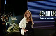 Hilary Blonde: Jennifer López lanzá su linea de moda en México