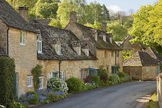 Cotswold stone cottages, Snowshill, Cotswolds, Gloucestershire, England