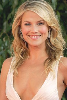 Long Bob Hairstyles, Formal Hairstyles, Pretty Hairstyles, Wedding Hairstyles, Glamorous Hairstyles, Ali Larter, Hair Color Remover, Cool Blonde Hair, Blonde Waves