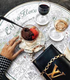 Regardez cette photo Instagram de @topparisresto • 4,546 J'aime  #resto #paris #parisresto #topparisresto #eatinparis #bonnesadresses #bonneadresse #restaurant #restaurantparis #parisrestaurant #cafe #café #coffee
