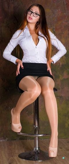 Women nude skirt stockings