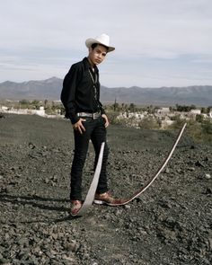 In northern Mexico, the pointy boots trend is more about flash than fashion. Photographers Alex Troesch and Aline Paley traveled to Matehuala, Mexico to see the boots with their own eyes.