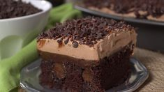 This Baileys Chocolate Poke Cake is made with a moist Baileys chocolate cake soaked in more chocolate and Baileys Irish Cream It s a Baileys treat that you won t want to stop eating Poke Cake Recipes, Poke Cakes, Dessert Recipes, Best Chocolate Cake, Chocolate Desserts, Belgian Chocolate Cake Recipe, Chocolate Baileys, Chocolate Ganache, Mini Cakes