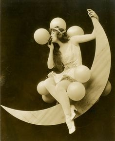 Playful pose with balloons. Kittyinva: 1915 photo of Sybil Carmen as she appeared in the Ziegfeld Midnight Frolic.