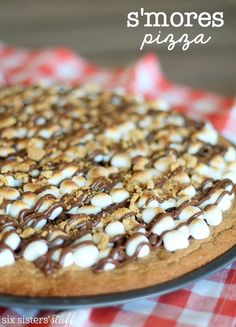 Low Carb Recipes To The Prism Weight Reduction Program S'mores Dessert Pizza Recipe Six Sisters' Stuff Enjoy A S'more Without A Campfire This S'mores Dessert Pizza With A Graham Cracker Cookie Crust, Toasted Marshmallows, And Melted Chocolate Will Satisfy Pizza Dessert, Smores Dessert, Eat Dessert First, Smores Pizza Recipe, Smores Cookies, Cinnamon Dessert Pizza Recipe, Dessert For Bbq, Summer Desserts, Just Desserts