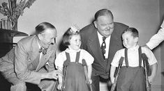 Laurel and Hardy visiting The Willie Nolan Centre for polio victims, Baldoyle, 1953 Stan Laurel, Vintage Pictures, Old Pictures, Laurel Und Hardy, Comedy Duos, Great Comedies, Silent Film, Dublin, Comedians