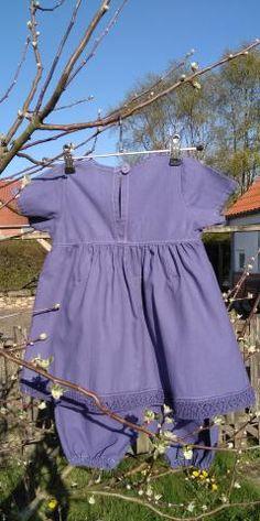 14ea9b0f1410 Handmade by Hannah  Pigesæt med kjole og bukser - Pigesæt bestående af  kortærmet kjole og