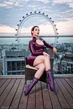 In Public: Naida Black in Latex Dress & Ballet Boots Sexy Latex, Ballet Boots, Ballet Heels, Latex Boots, Beautiful Dark Twisted Fantasy, Mode Latex, Rubber Dress, Latex Girls, Latex Dress