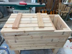 Simple DIY Cooler Deck Box using 2x4's and Outdoor screws! #diy #coolerdeckbox #outdoorfurniture Large Cooler, Diy Cooler, Outdoor Projects, Diy Projects, Bench With Back, Privacy Screen Outdoor, Cool Deck, Deck Box, Do It Yourself Projects
