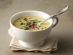 Savuporokeitto Cheeseburger Chowder, Soup Recipes, Dinner, Ethnic Recipes, Food Network, Soups, Dining, Food Dinners, Soup