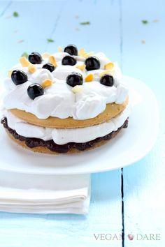 torta amarene sciroppate cocco mandorle amond cononut cherries wild syrup