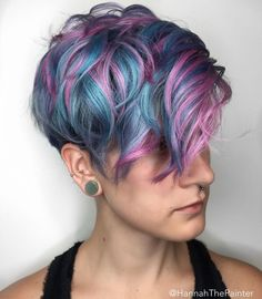 Pastel Blue Pixie With Pink Highlights Hair Color Purple, Cool Hair Color, Blue Hair, Pink Hair, Hair Colors, Pastel Pixie Hair, Short Choppy Haircuts, Short Hair Cuts, Short Hair Styles