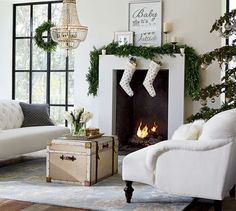Glitter chain garland idea on tree! And I love the boxwood garland & mantle arrangement.