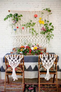 Macrame, and lots of great fabrics Light and bright boho and garden vibe http://streetscenevintage.blogspot.com/2014/06/fruits-of-loom.html