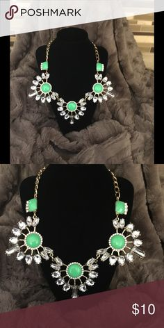 💥4 for $20💥New Green Statement Necklace 💥4 for $20 Gold Necklace with Green Accents Jewelry Necklaces