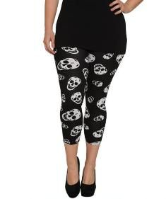 WetSeal Cropped Skull Print Plus Size Leggings