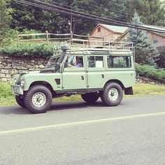Land Rover 109 Serie III SW Bugeye. Nice for me. Lobezno