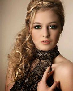 Image detail for -Prom Hairstyles 2011 for Long Curly Hair Formal Hairstyles For Long Hair, Homecoming Hairstyles, Long Curly Hair, Party Hairstyles, Latest Hairstyles, Cool Hairstyles, Hairstyle Ideas, Thick Hair, Glamorous Hairstyles