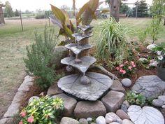 déco de jardin DIY en béton - cascade de jardin créative