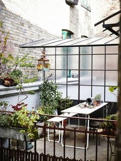 """""""Top Ten: Best Outdoor Patio Dining Sets Apartment Therapy Annual Guide featuring the IKEA PS 2014 folding table and bench! Ikea Ps 2014, Terraced House, Outdoor Spaces, Indoor Outdoor, Outdoor Living, Ikea Outdoor, Ikea Patio, Patio Wall, Outdoor Seating"""