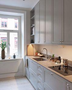 Ikea Kitchen Design, Modern Kitchen Design, Home Decor Kitchen, Rustic Kitchen, Interior Design Kitchen, Home Kitchens, Ikea Kitchen Inspiration, Beige Kitchen Cabinets, Open Plan Kitchen Dining Living