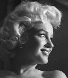 Hollywood Icons, Classic Hollywood, Old Hollywood, Marilyn Monroe Portrait, Marilyn Monroe Photos, Patrick Willis, East Of Eden, Rare Images, Hilario