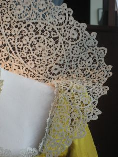 costumersguide's image- see the wires?? They are made to look like the lace.!!!
