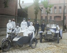 A series of stunning new colourised photos show the devastating effects of the Spanish Flu epidemic in 1918 that killed 50 million people and hit just after the First World War. Flu Epidemic, Influenza Virus, Colorful Pictures, Old Pictures, Old Photos, Antique Photos, Vintage Photos, Red Cross Volunteer, Nostalgic Art