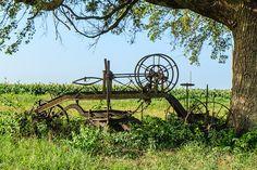 road grader Country Scenes, Old Farm, Apple Tree, Four Seasons, Country Living, Barns, Childhood Memories, Wheels, Dreams
