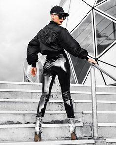 Fashion Look 2017 Sexy Latex, Pantalon Vinyl, Death By Glamour, Micah Gianelli, Look 2017, Vinyl Leggings, Latex Pants, Vinyl Clothing, Urban Fashion