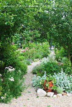 Parisienne Farmgirl - Parisienne Farmgirl's Potager & Gardens