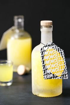 Make your own limoncello: start now and it'll be ready just in time for the holidays! A perfect gift, especially with these fab free printable gift tags.